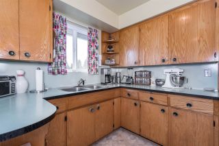 Photo 4: 1801 WOODVALE Avenue in Coquitlam: Central Coquitlam House for sale : MLS®# R2057117