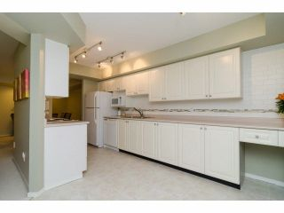 """Photo 9: 49 103 PARKSIDE Drive in Port Moody: Heritage Mountain Townhouse for sale in """"TREETOPS"""" : MLS®# V1065898"""