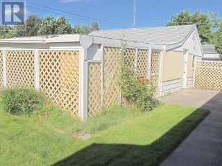 Photo 8: 425 DOUGLAS AVE in Penticton: House for sale