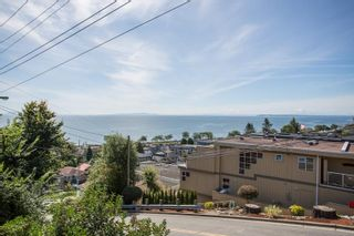 """Photo 35: 1246 OXFORD Street: White Rock House for sale in """"HILLSIDE"""" (South Surrey White Rock)  : MLS®# R2615976"""