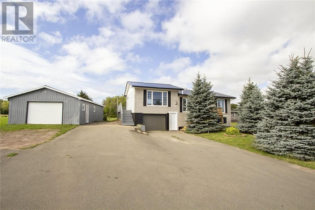 Main Photo: 2023 Route 950 in Petit Cap: House for sale : MLS®# M137541