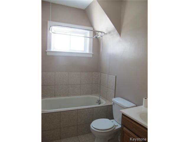 Photo 12: Photos:  in WINNIPEG: North End Residential for sale (North West Winnipeg)  : MLS®# 1404958