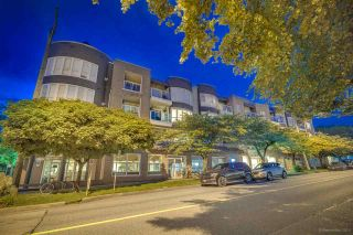 "Photo 3: 304 789 W 16TH Avenue in Vancouver: Fairview VW Condo for sale in ""Sixteen Willows"" (Vancouver West)  : MLS®# R2474064"