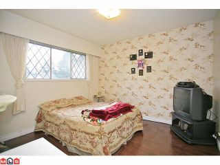 """Photo 7: 9971 125TH Street in Surrey: Cedar Hills House for sale in """"St. Helens"""" (North Surrey)  : MLS®# F1127438"""