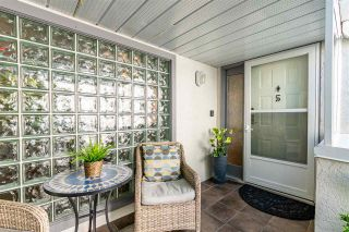 """Photo 3: 5 1508 BLACKWOOD Street: White Rock Townhouse for sale in """"The Juliana"""" (South Surrey White Rock)  : MLS®# R2551843"""