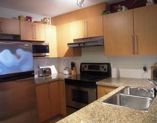 """Photo 2: 157 1100 E 29TH Street in North_Vancouver: Lynn Valley Condo for sale in """"HIGHGATE"""" (North Vancouver)  : MLS®# V758252"""