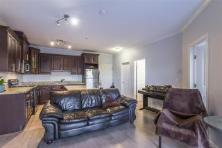Photo 6: 302 22363 SELKIRK AVENUE in Maple Ridge: West Central Condo for sale : MLS®# R2413478