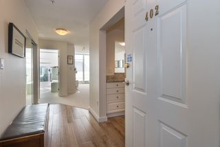 """Photo 1: 402 2288 W 12TH Avenue in Vancouver: Kitsilano Condo for sale in """"CONNAUGHT POINT"""" (Vancouver West)  : MLS®# R2051681"""