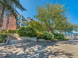 """Photo 42: 307 1502 ISLAND PARK Walk in Vancouver: False Creek Condo for sale in """"The Lagoons"""" (Vancouver West)  : MLS®# R2606940"""