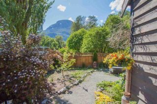 Photo 15: 1029 BROTHERS Place in Squamish: Northyards 1/2 Duplex for sale : MLS®# R2590773