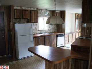"""Photo 3: 77 2270 196TH Street in Langley: Brookswood Langley Manufactured Home for sale in """"PINERIDGE PARK"""" : MLS®# F1211517"""