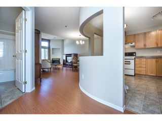 """Photo 4: 404 2335 WHYTE Avenue in Port Coquitlam: Central Pt Coquitlam Condo for sale in """"CHANELLOR'S COURT"""" : MLS®# R2141689"""