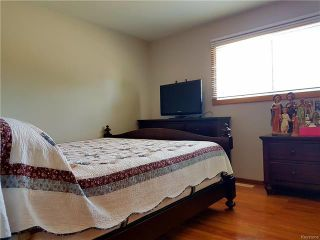 Photo 7: 87 Inglis Street in Winnipeg: Tyndall Park Residential for sale (4J)  : MLS®# 1818537
