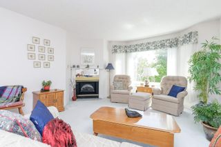 Photo 5: 423 9882 Fifth St in : Si Sidney North-East Condo for sale (Sidney)  : MLS®# 882862