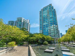 "Photo 2: 505 1710 BAYSHORE Drive in Vancouver: Coal Harbour Condo for sale in ""BAYSHORE GARDENS"" (Vancouver West)  : MLS®# R2607381"