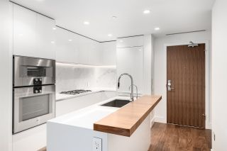 """Photo 2: 508 389 W 59TH Avenue in Vancouver: South Cambie Condo for sale in """"Belpark By Intracorp"""" (Vancouver West)  : MLS®# R2437051"""