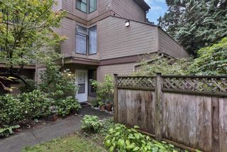 """Photo 2: 102 8686 CENTAURUS Circle in Burnaby: Simon Fraser Hills Townhouse for sale in """"Mountainwood"""" (Burnaby North)  : MLS®# R2621264"""