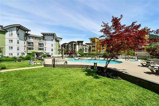 Photo 2: 105 571 Yates Road in Kelowna: North Glenmore House for sale : MLS®# 10210366