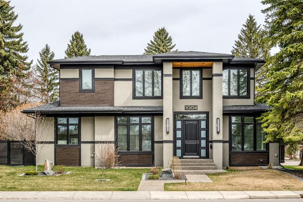 Main Photo: 1004 Beverley Boulevard SW in Calgary: Bel-Aire Detached for sale : MLS®# A1099089
