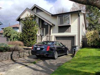 Photo 2: 9768 151A Street in Surrey: Guildford House for sale (North Surrey)  : MLS®# R2558154