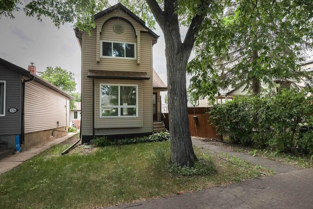 Main Photo: 162 Royal Avenue in Winnipeg: Scotia Heights Residential for sale (4D)  : MLS®# 202116390