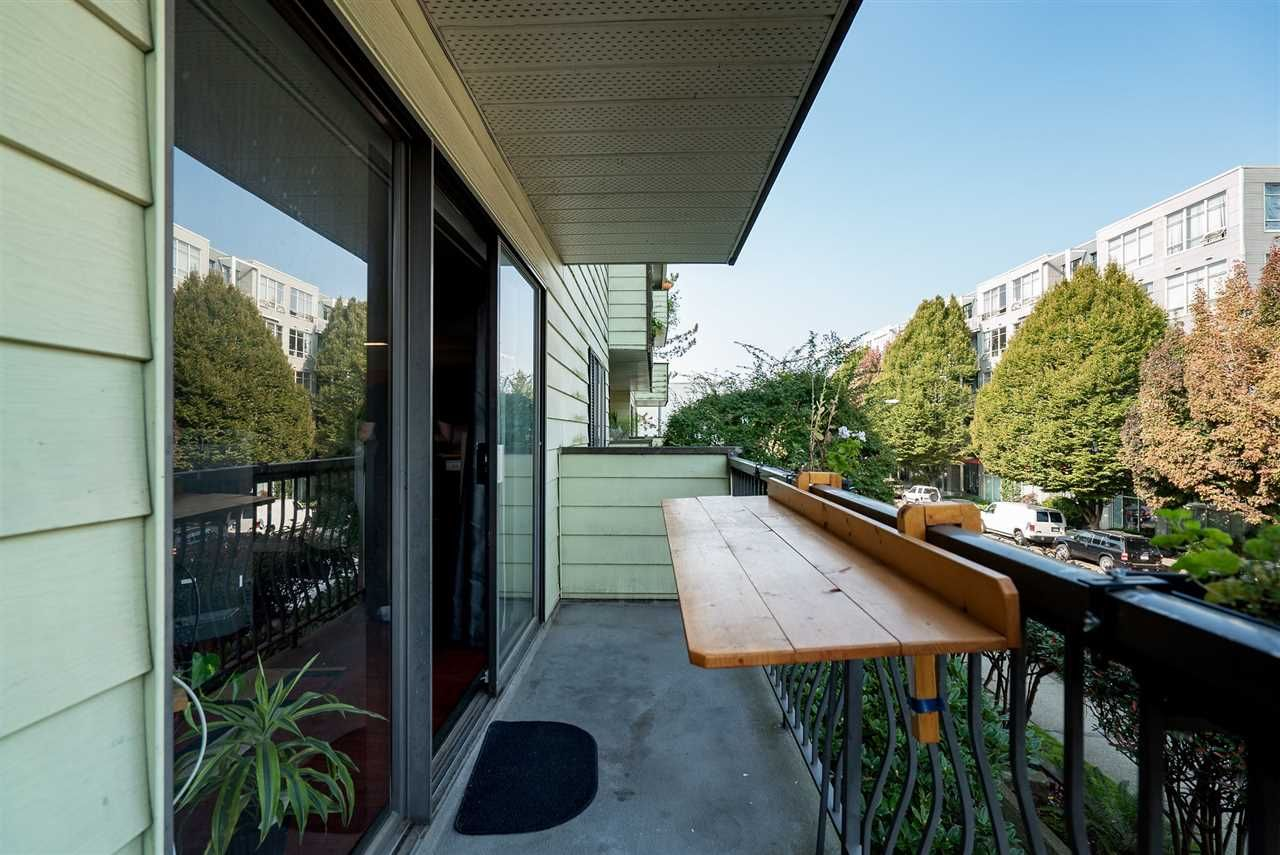 """Photo 8: Photos: 208 334 E 5TH Avenue in Vancouver: Mount Pleasant VE Condo for sale in """"View Pointe"""" (Vancouver East)  : MLS®# R2507908"""
