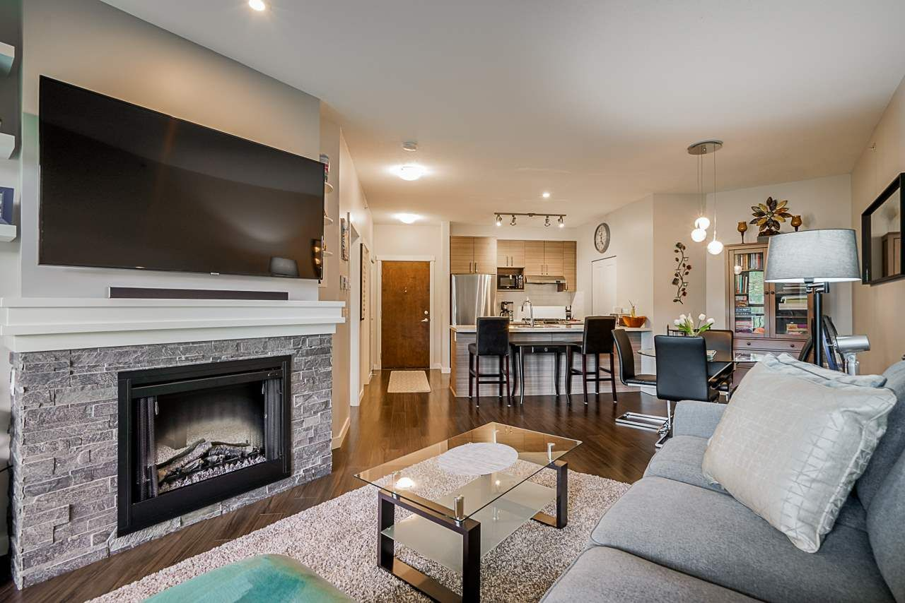 """Photo 10: Photos: 418 1150 KENSAL Place in Coquitlam: New Horizons Condo for sale in """"THOMAS HOUSE BY POLYGON"""" : MLS®# R2453457"""