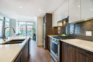 """Photo 8: 202 258 NELSON'S Court in New Westminster: Sapperton Condo for sale in """"THE COLUMBIA"""" : MLS®# R2613389"""