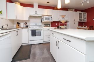 Photo 7: 9 106 Aldersmith Pl in View Royal: VR Glentana Row/Townhouse for sale : MLS®# 872352