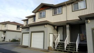 "Photo 1: 12 39754 GOVERNMENT Road in Squamish: Northyards Townhouse for sale in ""Mapletree Court"" : MLS®# R2013701"