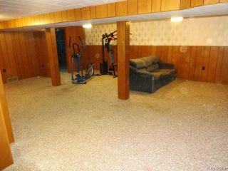 Photo 9: 851 Vimy Road in WINNIPEG: Westwood / Crestview Residential for sale (West Winnipeg)  : MLS®# 1318165