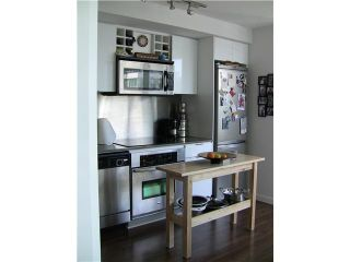 """Photo 5: 2202 788 HAMILTON Street in Vancouver: Downtown VW Condo for sale in """"TV TOWER I"""" (Vancouver West)  : MLS®# V825585"""