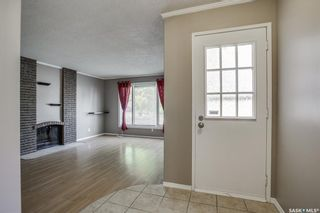 Photo 3: 114 Blake Place in Saskatoon: Meadowgreen Residential for sale : MLS®# SK862530