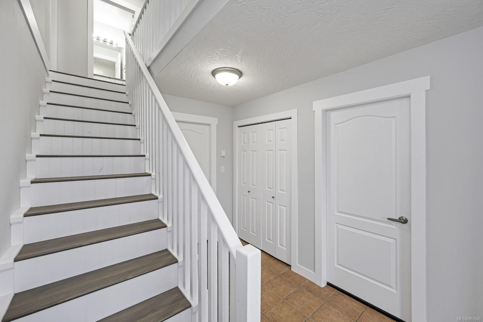 Photo 3: Photos: 6154 Sayward Rd in : Du West Duncan Half Duplex for sale (Duncan)  : MLS®# 863949
