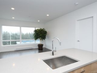 Photo 14: 412 1311 Lakepoint Way in Langford: La Westhills Condo for sale : MLS®# 843028
