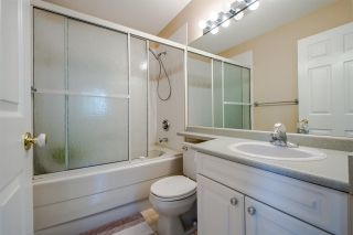 """Photo 11: 11 5950 OAKDALE Road in Burnaby: Oaklands Townhouse for sale in """"Heather Crest"""" (Burnaby South)  : MLS®# R2209640"""
