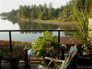 Photo 1: 207 485 Island Hwy in VICTORIA: VR Six Mile Condo for sale (View Royal)  : MLS®# 702261