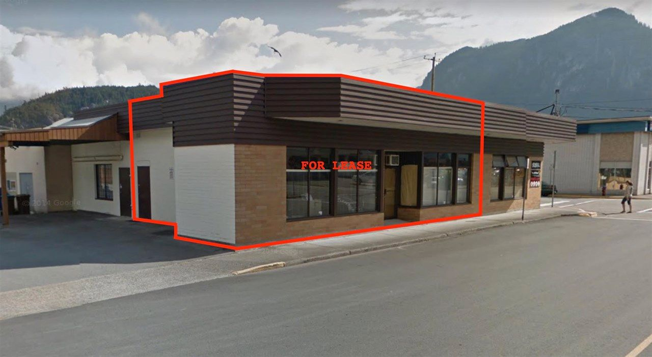 Main Photo: 1343-1345 WINNIPEG Street in Squamish: Downtown SQ Office for lease : MLS®# C8038725