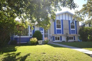 Photo 2: 1004 PENSDALE Crescent SE in Calgary: Penbrooke Meadows Detached for sale : MLS®# C4305692