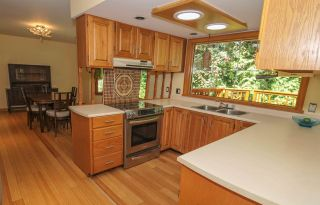 Photo 8: 12715 18A Avenue in Surrey: Crescent Bch Ocean Pk. House for sale (South Surrey White Rock)  : MLS®# R2399687