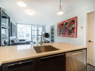 """Photo 9: 303 538 W 7TH Avenue in Vancouver: Fairview VW Condo for sale in """"CAMBIE +7"""" (Vancouver West)  : MLS®# R2332331"""