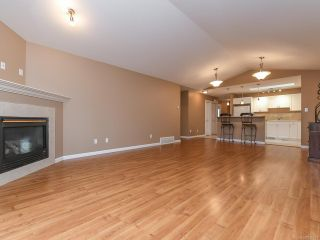 Photo 7: 106 2077 St Andrews Way in COURTENAY: CV Courtenay East Row/Townhouse for sale (Comox Valley)  : MLS®# 836791