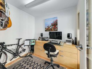 """Photo 14: 2305 1077 MARINASIDE Crescent in Vancouver: Yaletown Condo for sale in """"MARINASIDE RESORT"""" (Vancouver West)  : MLS®# R2544520"""