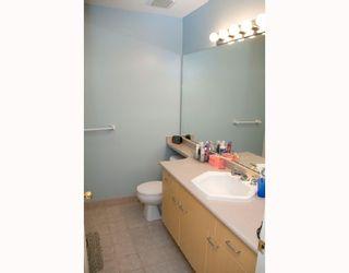 "Photo 8: 35 6588 BARNARD Drive in Richmond: Terra Nova Townhouse for sale in ""CAMBERLEY"" : MLS®# V684301"
