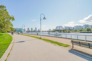 """Photo 37: 805 980 COOPERAGE Way in Vancouver: Yaletown Condo for sale in """"COOPERS POINTE by Concord Pacific"""" (Vancouver West)  : MLS®# R2614161"""