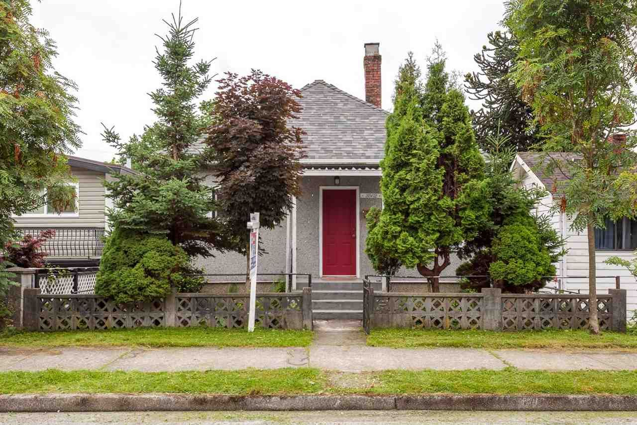 Main Photo: 3562 E GEORGIA STREET in Vancouver: Renfrew VE House for sale (Vancouver East)  : MLS®# R2190288