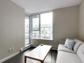 """Photo 5: 554 108 W 1ST Avenue in Vancouver: False Creek Condo for sale in """"OLYMPIC VILLAGE"""" (Vancouver West)  : MLS®# R2437073"""