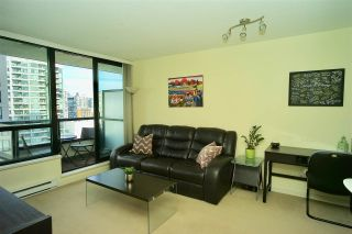 """Photo 2: 2203 977 MAINLAND Street in Vancouver: Yaletown Condo for sale in """"Yaletown Park III"""" (Vancouver West)  : MLS®# R2312985"""