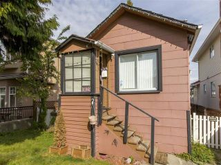Photo 15: 3123 E 4TH Avenue in Vancouver: Renfrew VE House for sale (Vancouver East)  : MLS®# R2106855