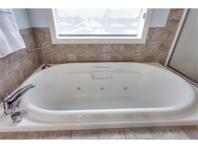Photo 23: Photos: 46 PRESTWICK Parade SE in Calgary: McKenzie Towne House for sale : MLS®# C4103009